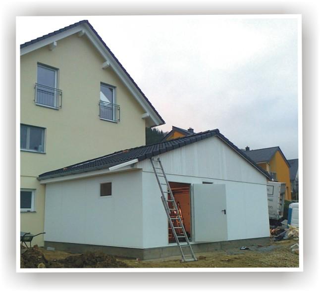 garagen aus holz stahl beton. Black Bedroom Furniture Sets. Home Design Ideas